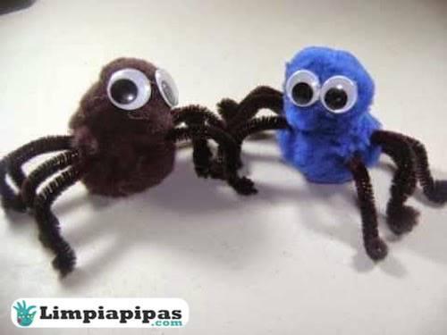 Manualidades con limpiapipas, arañas